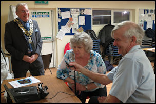 Mayoress using club Radio